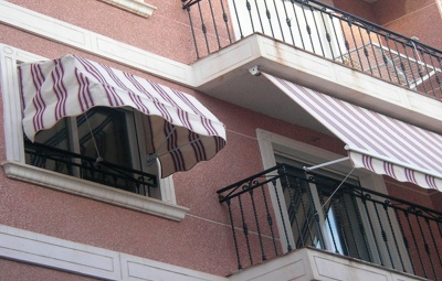 instalar toldos para balcones
